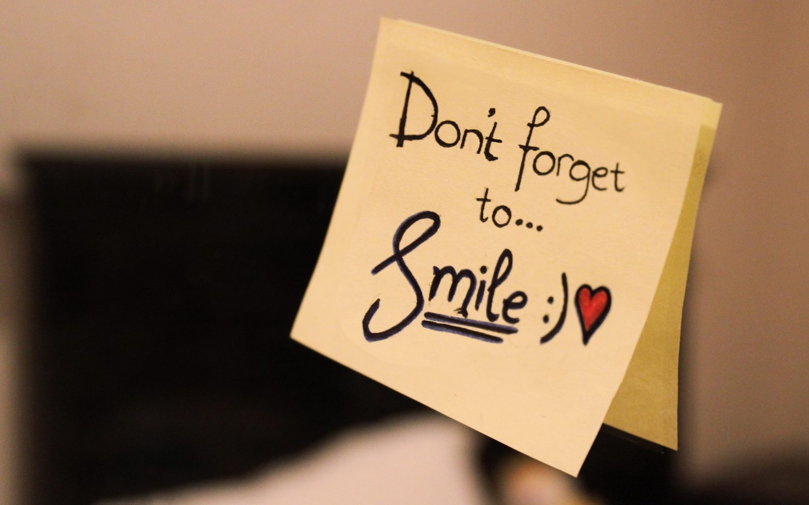 5 REASONS TO KEEP ON SMILING
