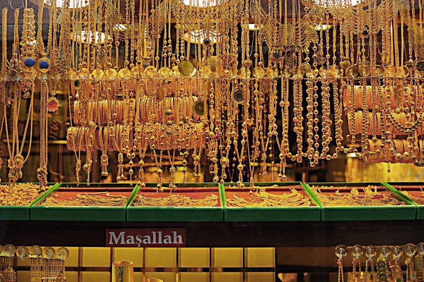 6 SIMPLE WAYS TO FIND OUT IF YOUR GOLD JEWELLERY IS GENUINE OR FAKE