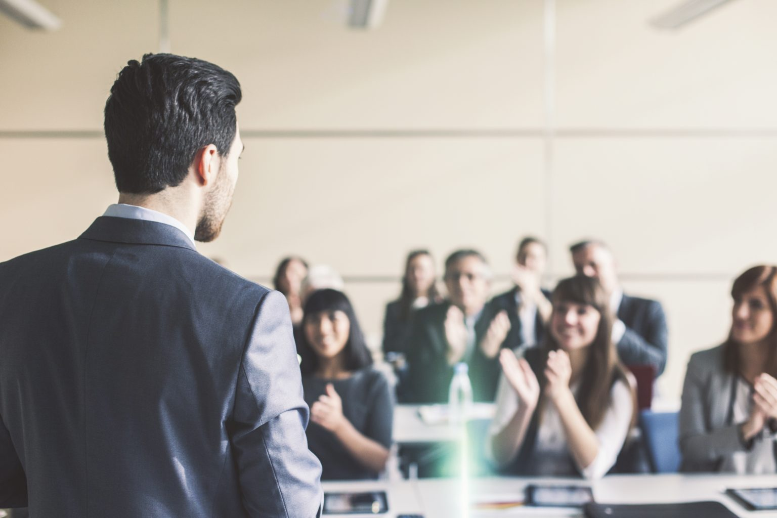 5 ways to build rapport with your audience