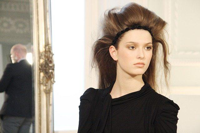 Trendy Hair Accessories For The Spring
